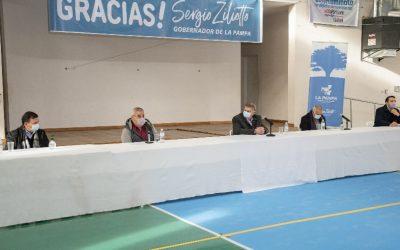 Asfalto para Speluzzi: el gobernador Ziliotto encabezó licitación en nuestra localidad